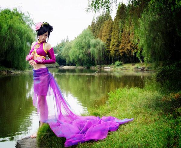 PS为COS美女外景照片添加魔幻紫色调