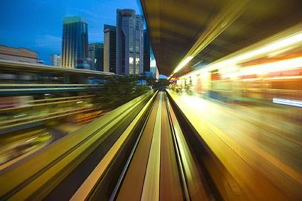 动感模糊的傍晚城市列车站台高清图片素材下载-高清图片 高清设计素图片