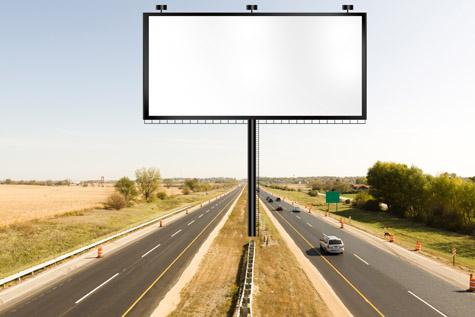 高速路上的大型户外广告牌空白背景高清图片下载
