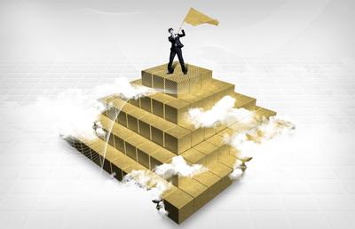 站在黄金金字塔上摇旗呐喊的职员韩国数码科技主题企业宣传海报psd