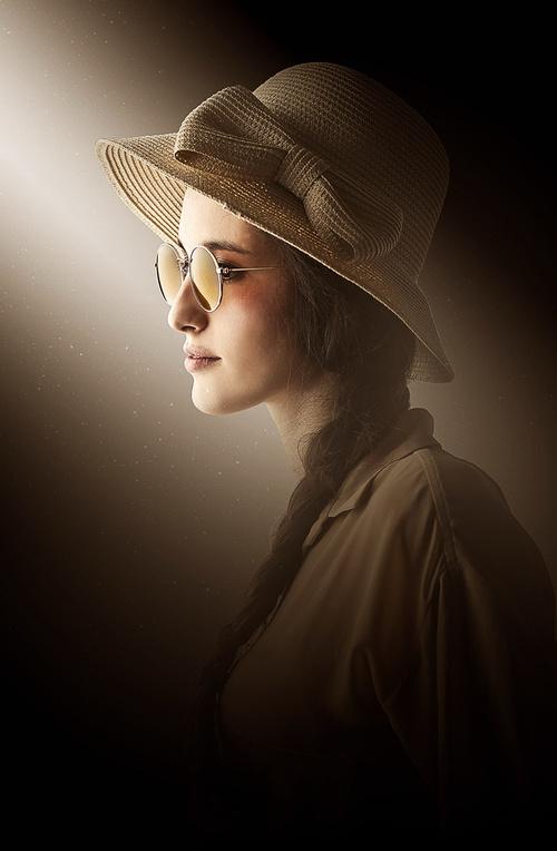PS制作复古朦胧的美女肖像照片效果教程