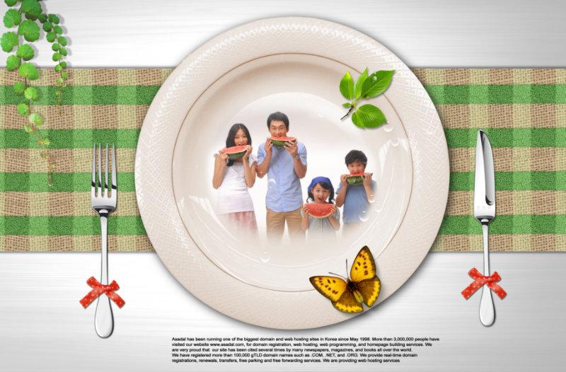 创意十足的白色盘子全家福照片边框psd模板