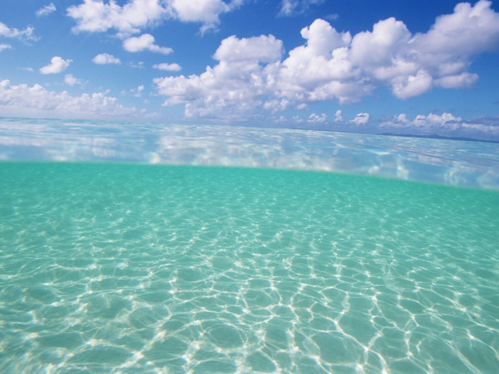 日本冲绳碧海蓝天沙滩背景图片素材(38p)[中国资源网