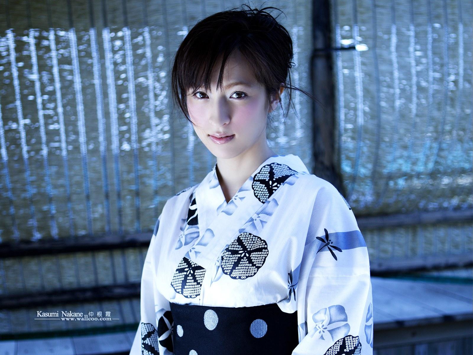 清纯日本美女钟根霞张开(32P)[中国PhotoShop臀美女翘写真图片