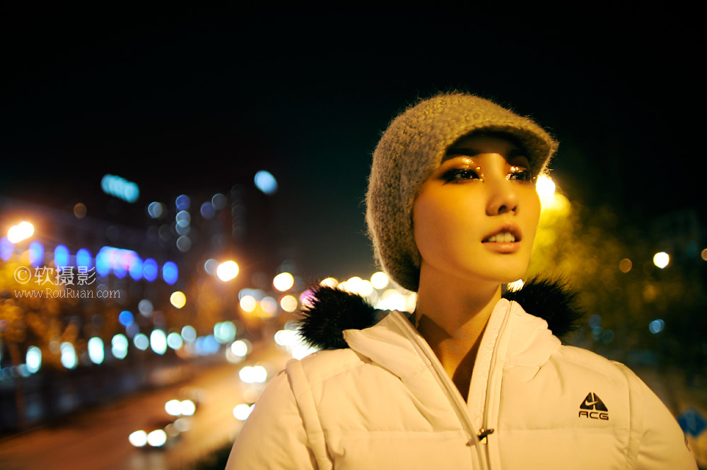 夜景人物艺术照样片素材(10p);; 夜晚,男人装封面模特独自站在街边