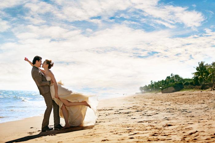 014最新婚纱样片7月三亚外拍高清婚纱照样片全套50P展示专辑三图片