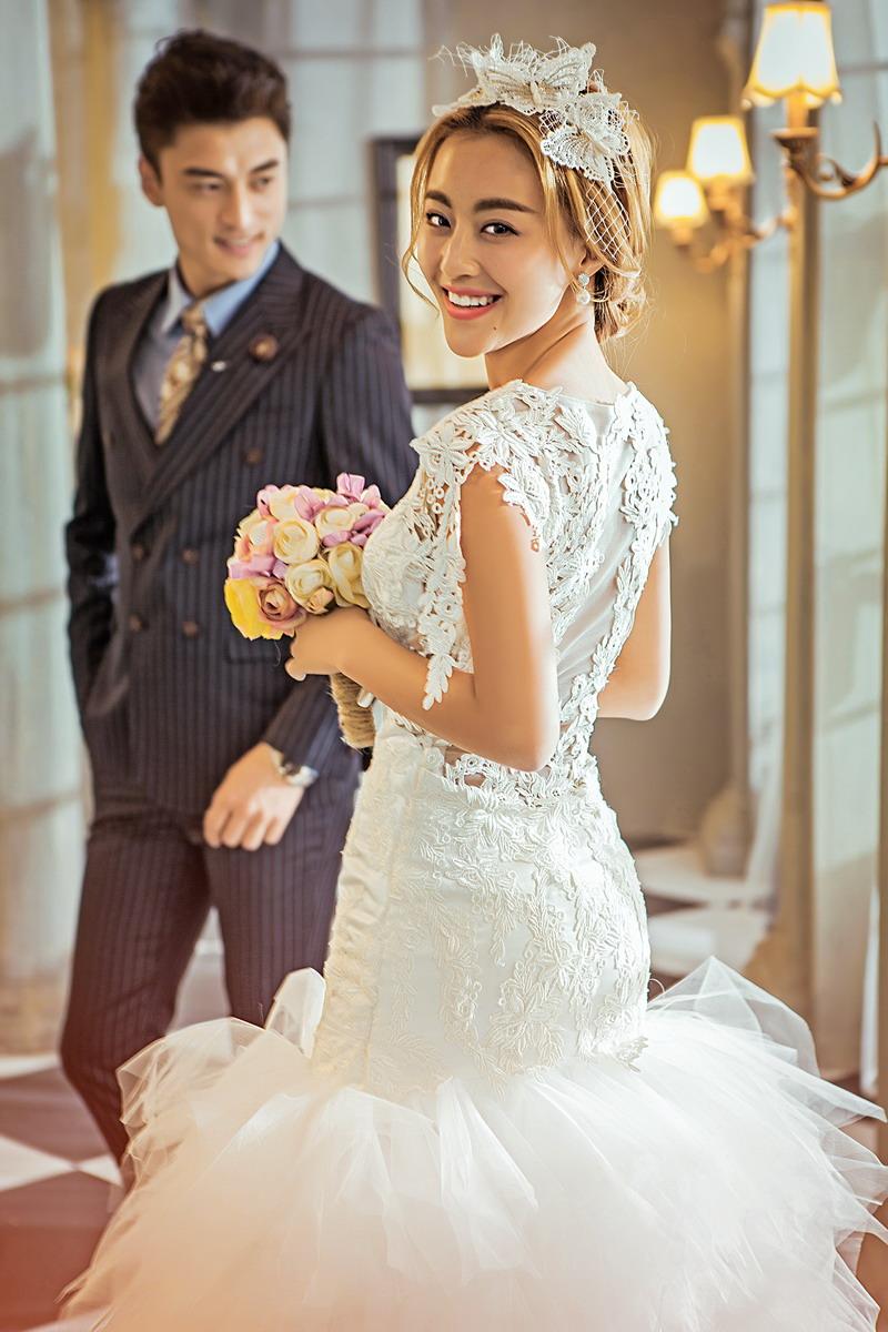 中国photoshop资源网 ps素材 ps素材 人物素材 婚纱照片 >> 正文