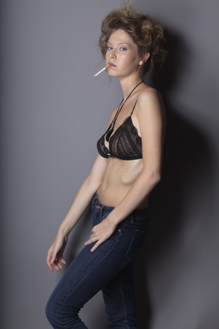 修图练习必备素材欧美模特人物未ps高清raw原片30p图片