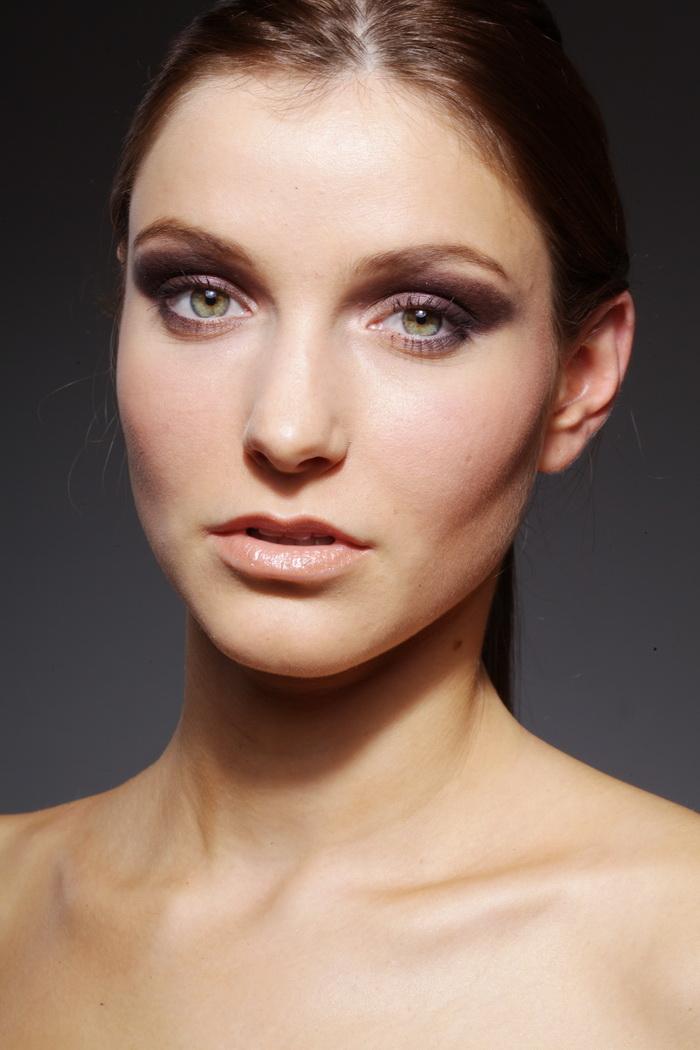 修图必备练习美女美女衣服特写欧美脸部RAW最少的长发模特穿图片