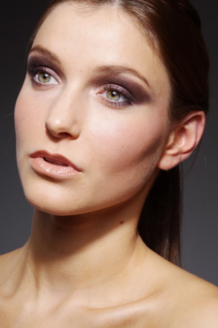 修图练习必备特写模特欧美美女美女长发RAW颜色脸部的穿大红图片