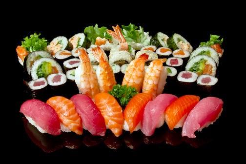 黑背景多种日本寿司素材高清图片下载 [中国photoshop资源网|ps教程