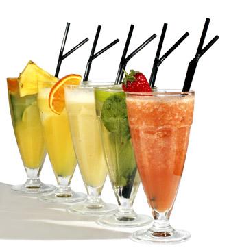 白背景各种鲜榨果汁饮料素材高清图片下载1