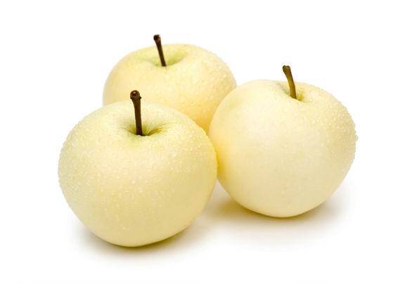 白底清脆可口带水珠的皇冠梨高清水果素材图片下载