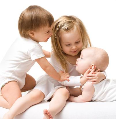 白背景可爱的外国小宝宝小孩子素材高清图片下载 [网