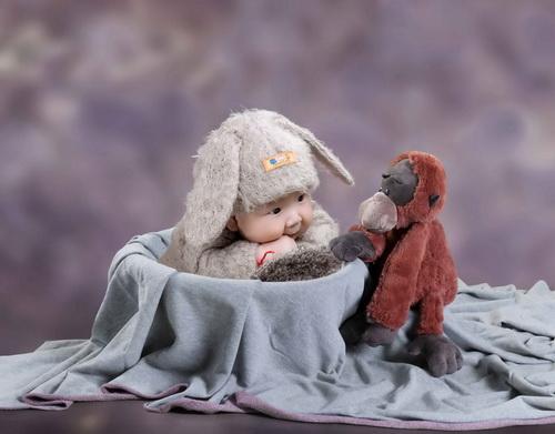 宝宝爬行抠图素材可爱